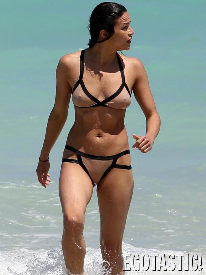 michelle-rodriguez-bikinis-in-miami-sexy-curves