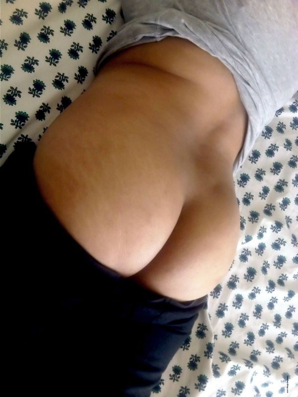 Desi Wives Nude 103
