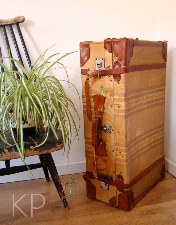Utilización de maletas antiguas para decoración. Fotos de maletas antiguas