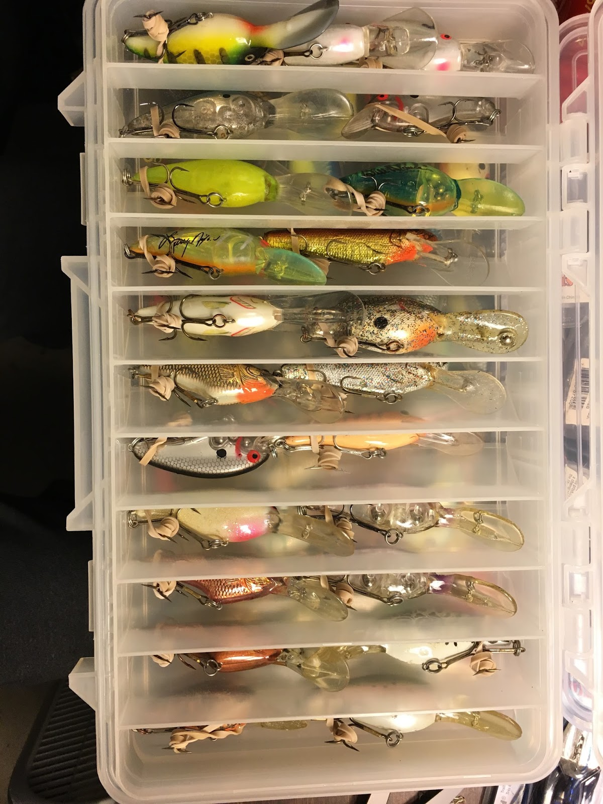 Adding Elastic Bands Around The Hook And Securing To Bait Body Made Crankbaits Easier Get Out Of Storage Box