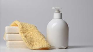 Pilih produk pencuci muka yang sesuai dengan kulit anda