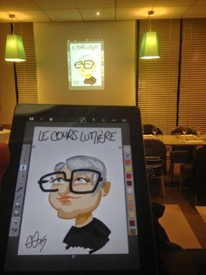 Caricature sur tablette numérique avec projection en direct et impression pour Père Dodu ©Guillaume Néel