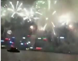 Perayaan tahun baru di hongkong dengan pesta kembang api