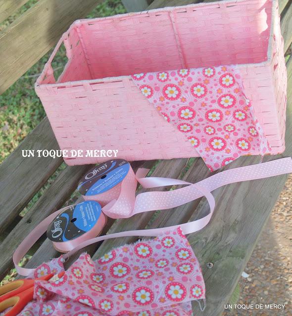Un toque de mercy: canasta de mimbre para el bano //reciclado