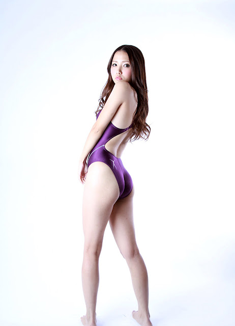 Tomoda Ayaka 友田彩也香 Photos 03