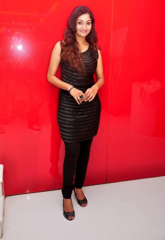Tamil Actress Neelima Rani Hot Photo Shoot Gallery Photoshoot images