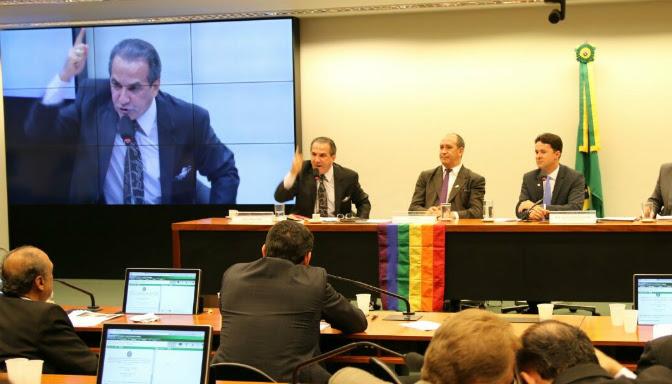 Vídeos: debate entre Pr. Silas e Toni Reis, ativista gay