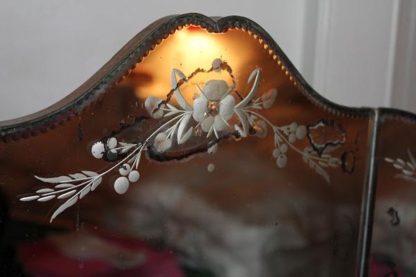 detalle de espejo antiguo
