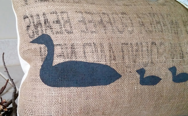 Michigan loon burlap pillow - Linaandvi.blogspot.com
