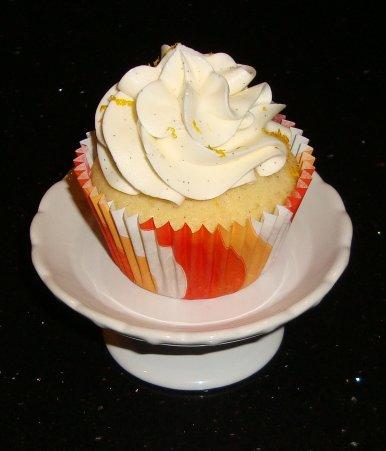 Sarah's Kitchen: Orange Vanilla Bean Cupcakes