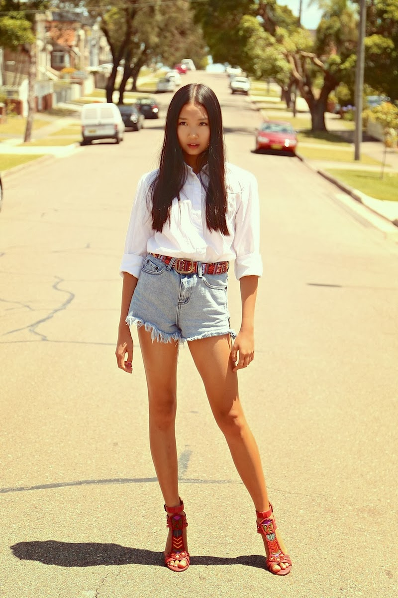 Rag & Bone, One Teaspoon, Nine West, Vintage America, white shirt, denim cut-offs, tribal, aztec