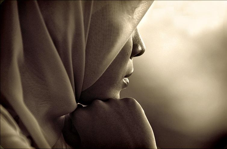 Problematika Kodrat dan Adat/Kebiasaan seorang wanita
