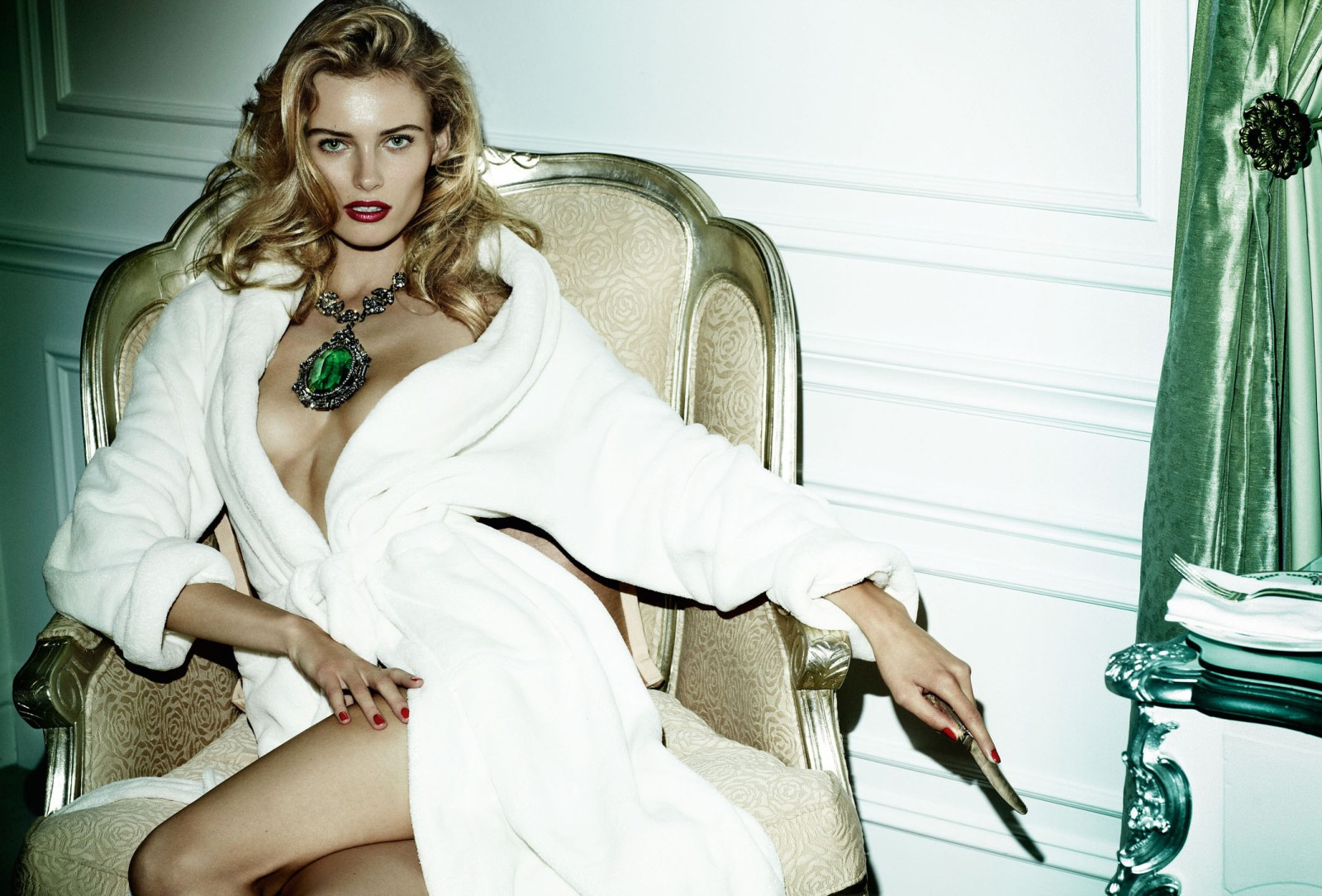http://1.bp.blogspot.com/-JtYJucZxjyA/UTB03bIzI0I/AAAAAAAAQAY/Xi13fod4GXo/s1600/Allure-Testino-Fashiontography-01.jpg