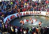 เทศกาลตกปลาน้ำแข็งที่เมืองฮวาชอน