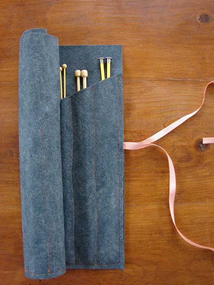 Knitting Pattern Needle Holder : CleoStone - handicraft: FuteraL na druty - Knitting needle holder