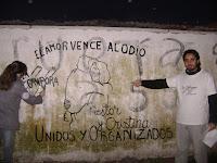 Pintada de mural en San Miguel del Monte