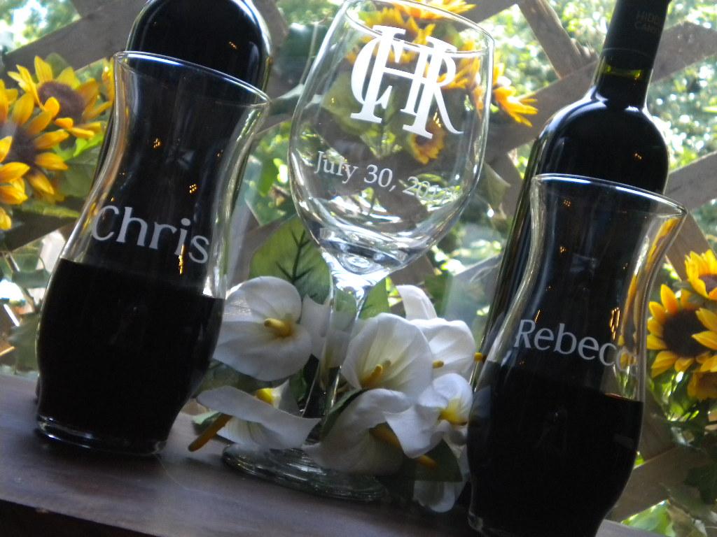 the pretty wedding  new wine unity ceremony glass set