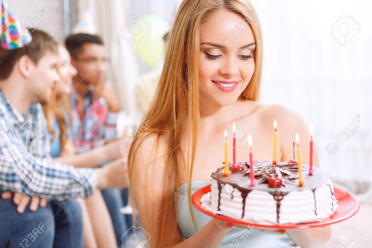 Прикольные конкурсы на день рождения сидя за столом взрослые