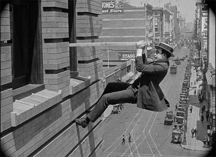 Harold-Lloyd-Safety-Lasts_1923