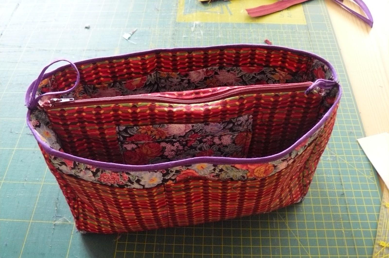 Tas Zelf Ontwerpen : Quilting trui bag organizer ofwel inzet tas