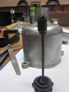 Messuring the damper piston clearance SU HS6 AUD331 carburetter