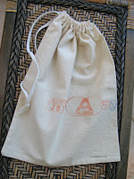 http://www.threadingmyway.com/2015/11/simple-calico-drawstring-bag-tutorial.html
