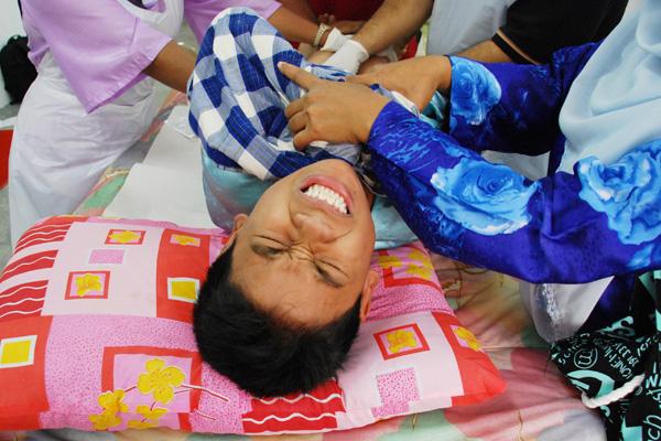 circumcision600 adult male circumcision