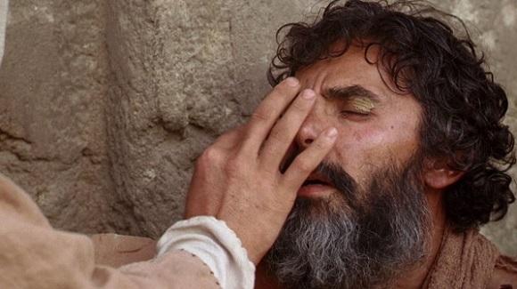 """""""Az Úr megnyitja a vakok szemeit, az Úr fölegyenesíti a görnyedezőket"""" (Zsolt 146,8)."""