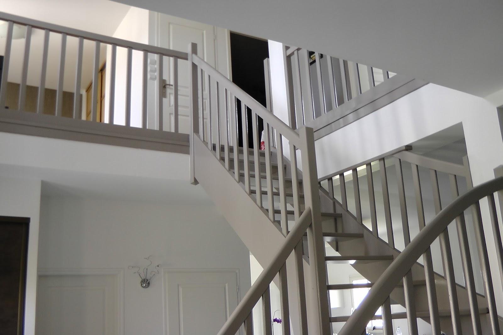 Ma maison lelievre toussus le noble 78 yvelines l for Maison de l escalier