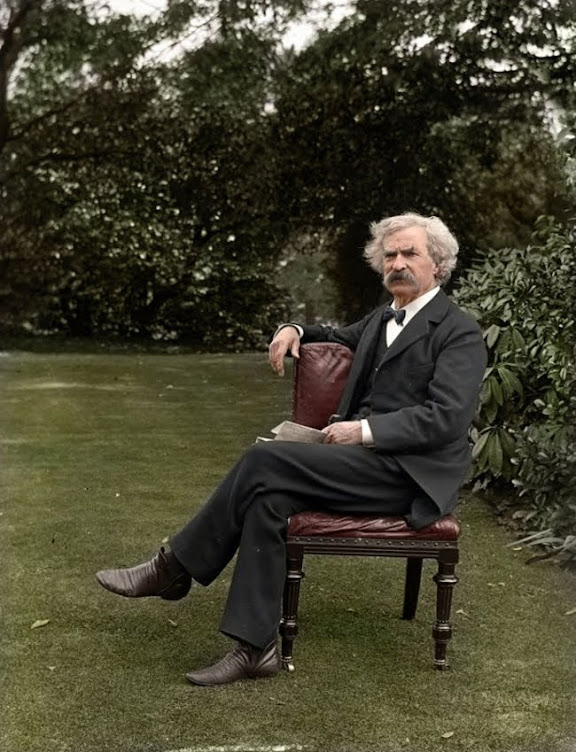 Mark Twain in 1900.