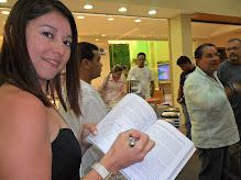 Autografando no Lançamento em Natal-RN Livro do Bem