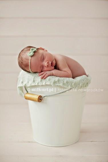 sesja fotograficzna noworodków, zdjęcia dzieci w poznaniu, fotografia rodzinna, studio fotografii niemowlęcej