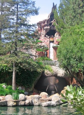 Splash Mountain Mtn Disneyland drop