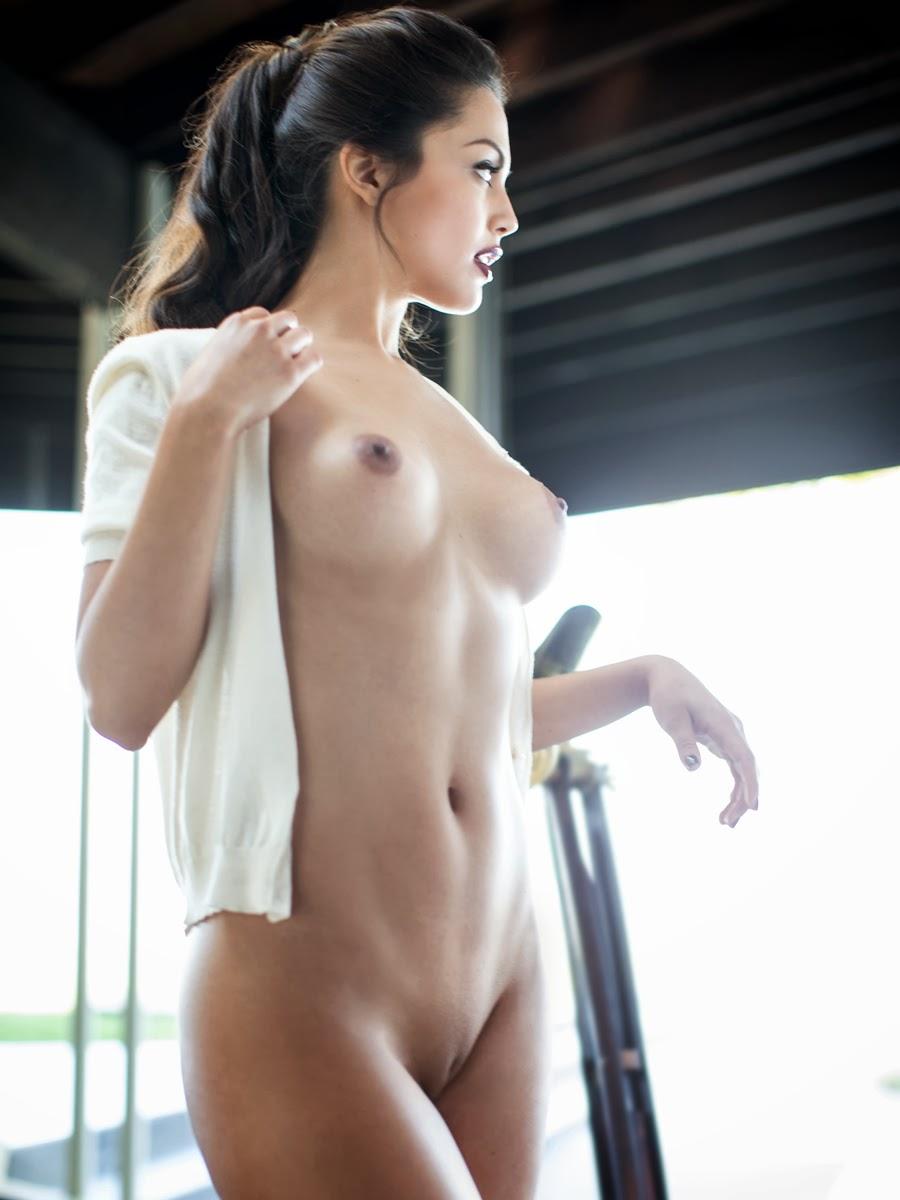 p nk nude photo shoot