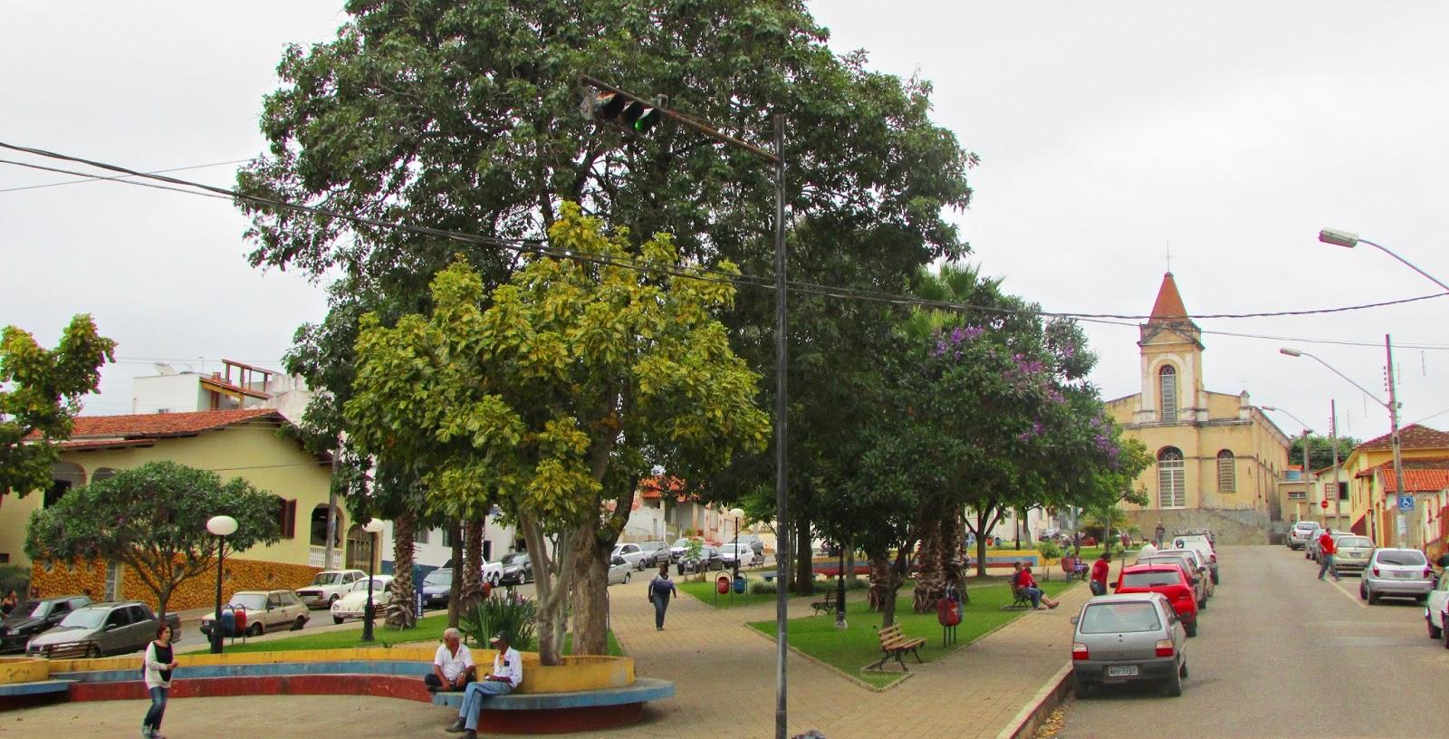 Praça em Nepomuceno - MG