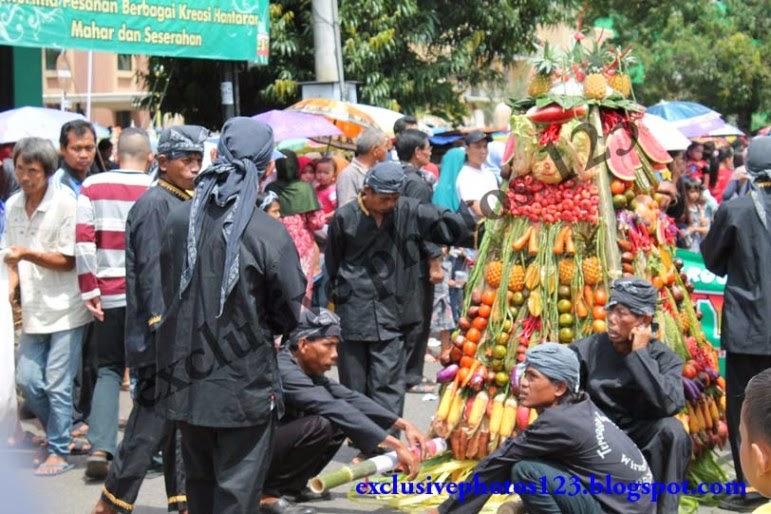Foto Gunungan Pawai Budaya Purbalingga 2013