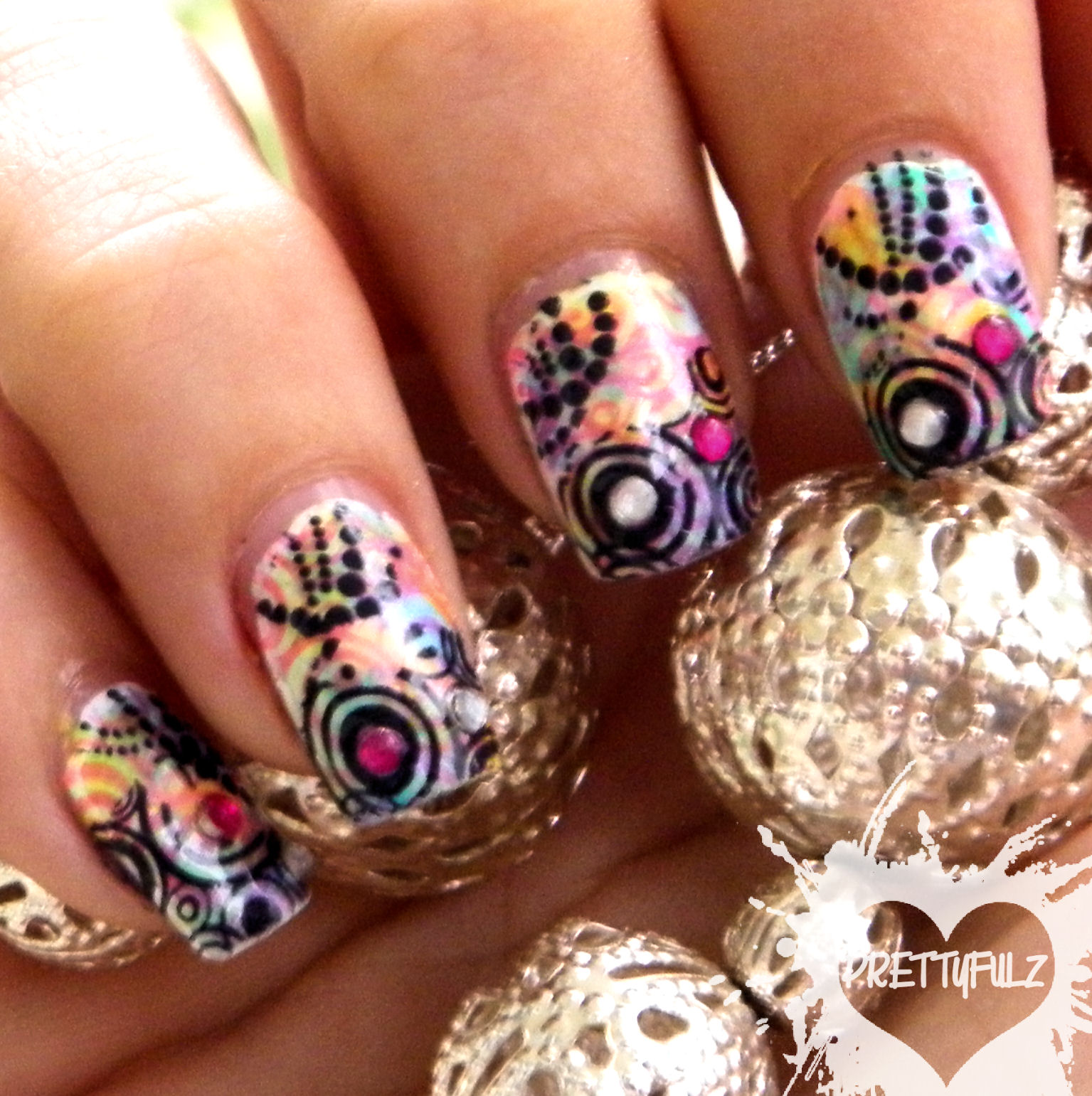 Prettyfulz: Nail Art Challenge: Wallpaper/Background