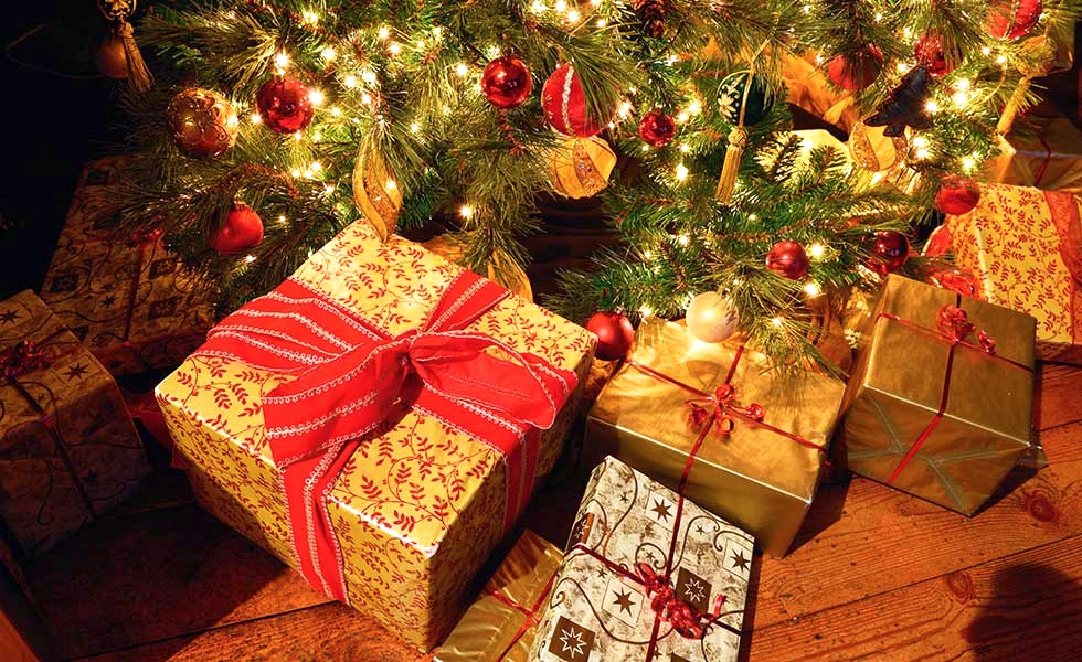 when do you open presents we like to ask this every year at christmas - When Do You Open Christmas Presents