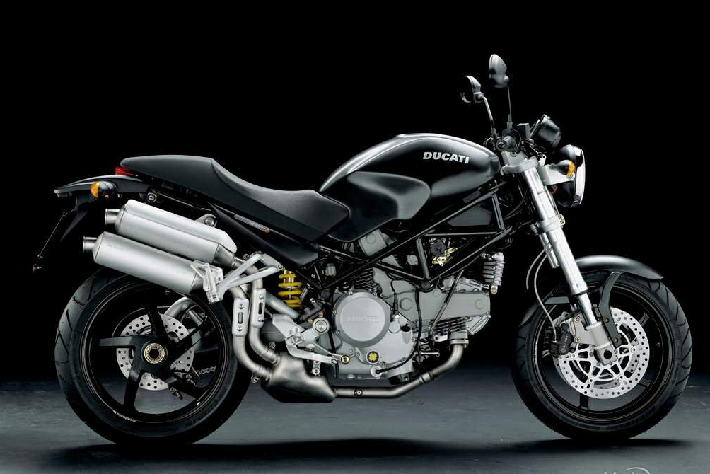 The Becoming Of A Ducatista 2006 Ducati Monster S2r 800 Build