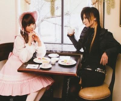 Vestir Lolita en Público.  078