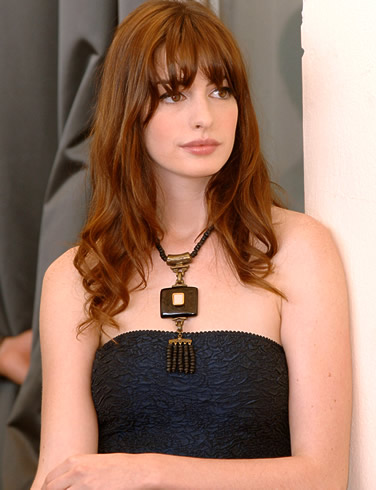 anne hathaway wiki. anne hathaway batman movie