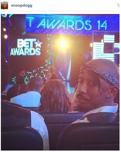 Wait a sec was tupac at the last bet awards check this out photos