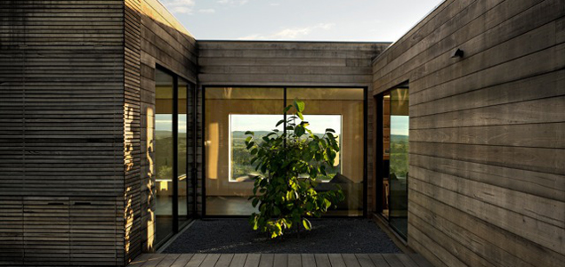 The House Was Featured In House Magazine Annual 2012 And Shortlisted For  The Australian Interior Design Awards And Finalist For The 2012 Houses  Awards.