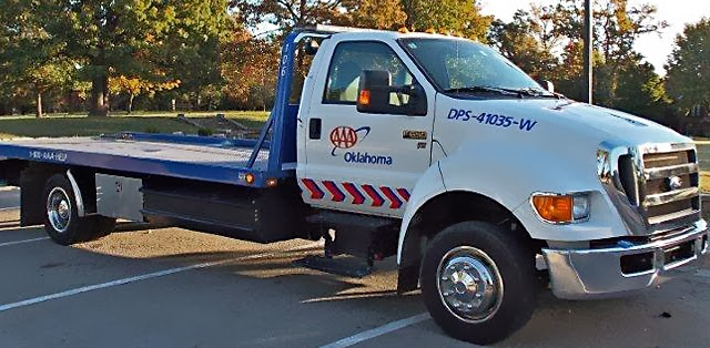 how much money do aaa tow truck drivers make