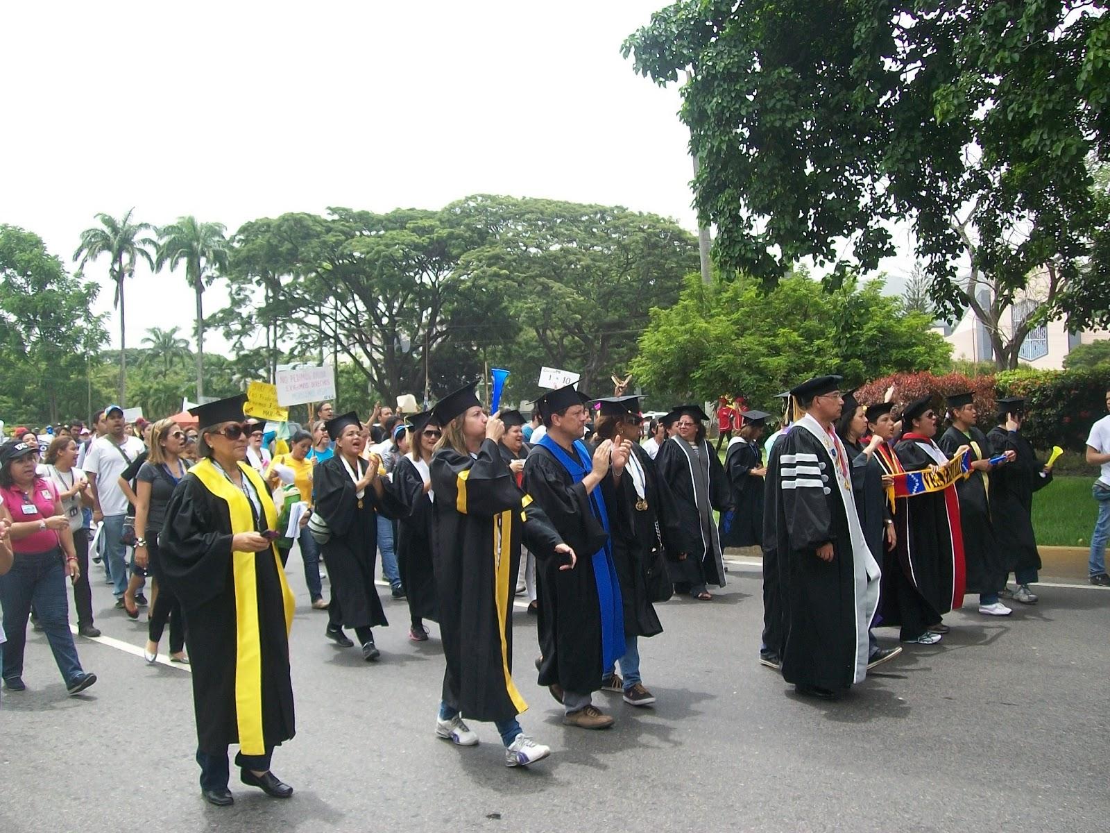 Jubilados en el exterior mensaje importante de la for Profesores en el extranjero