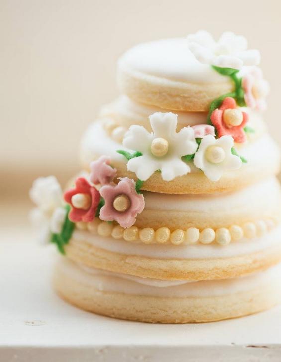 minijaturne-tortice-za-devojacko-vece