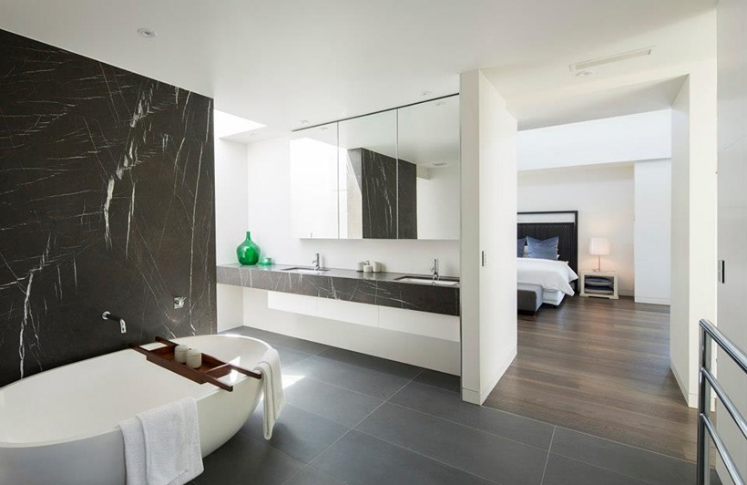 Bathroom in Contemporary Higham Road Home in Melbourne