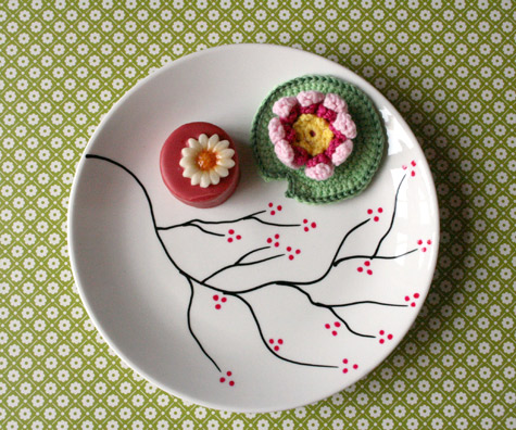 Ruche project diy cherry blossom plate for Diy ceramic plates