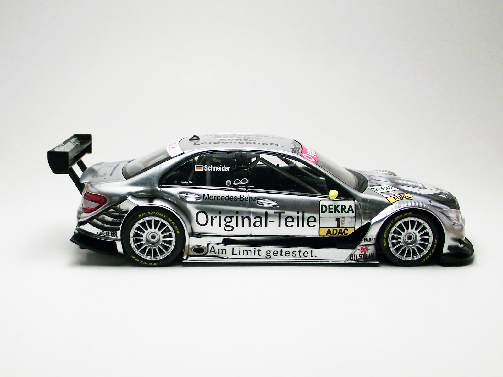 Diecast 1 43 mercedes benz c klasse amg dtm original for Diecast mercedes benz