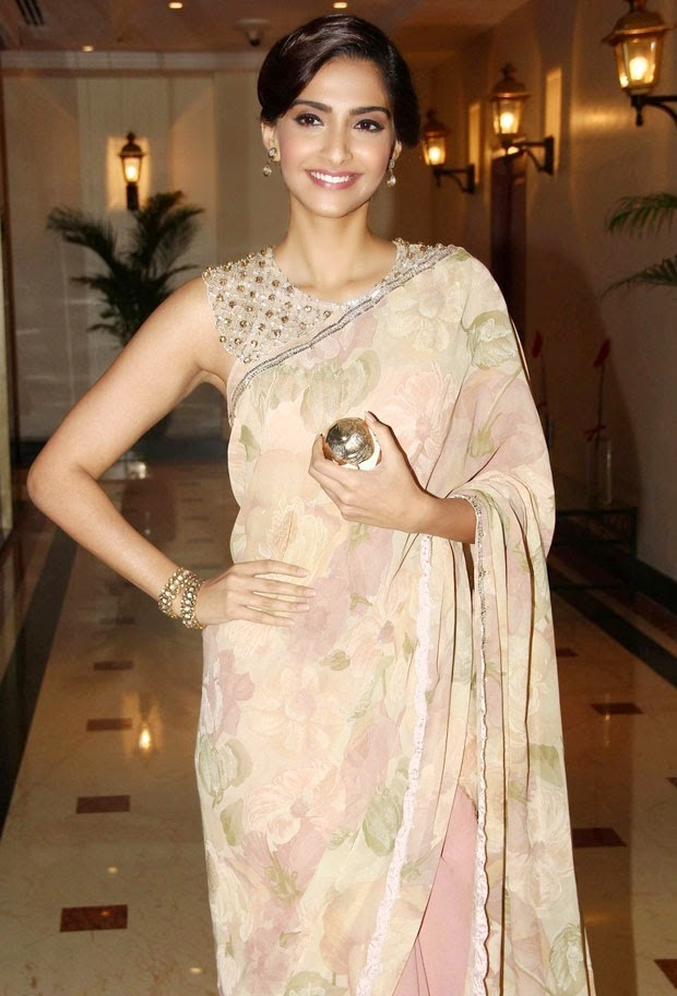 Sonam Kapoor Hot hd photo in Transparent saree